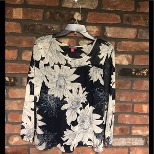 Vince Camuto blouse size s Navy floral